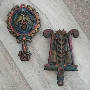 Set of 2 small vintage trivets